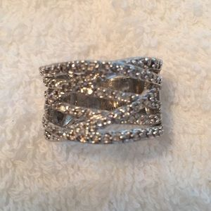 Silver and Crystal Ring size8